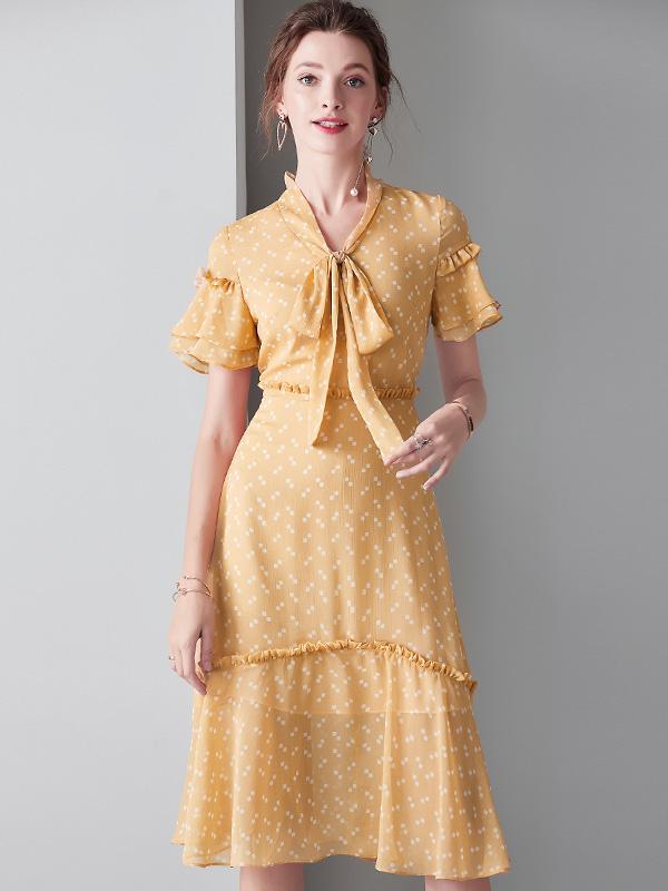 913044 V领系带蝴蝶结波点连衣裙荷叶边短袖收腰显瘦鱼尾裙中长款