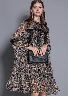 2019春季女装01乔其睫毛边圆领豹纹连衣裙喇叭袖荷叶边中长款裙子  5358