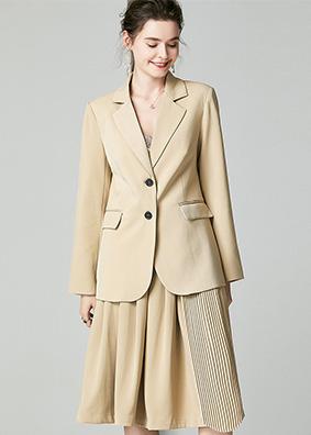 920064 2019女装时尚西服套装秋 气质长袖西装外套百褶半裙两件套