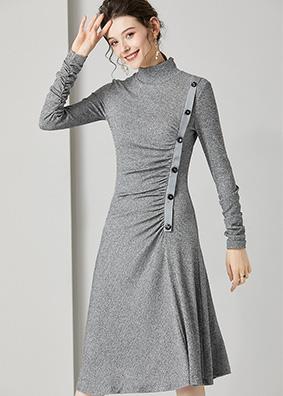 623011 侧边褶皱设计感高领长袖针织裙 欧货名媛收腰毛衣裙中长裙